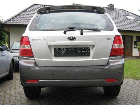 Kia Sorento Heckansicht nach Einbau einer LPG-Autogas Anlage