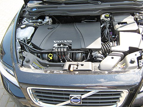 Volvo V50 1.8 Motorraum nach Einbau einer LPG-Autogas Anlage